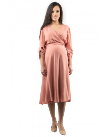 Romantic, powder pink maternity dress