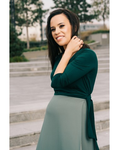 Lovely dress in two shades of green for pregnancy and beyond